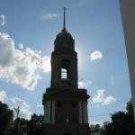 Строящаяся колокольня увенчалась куполом и крестом, 23.05.2016